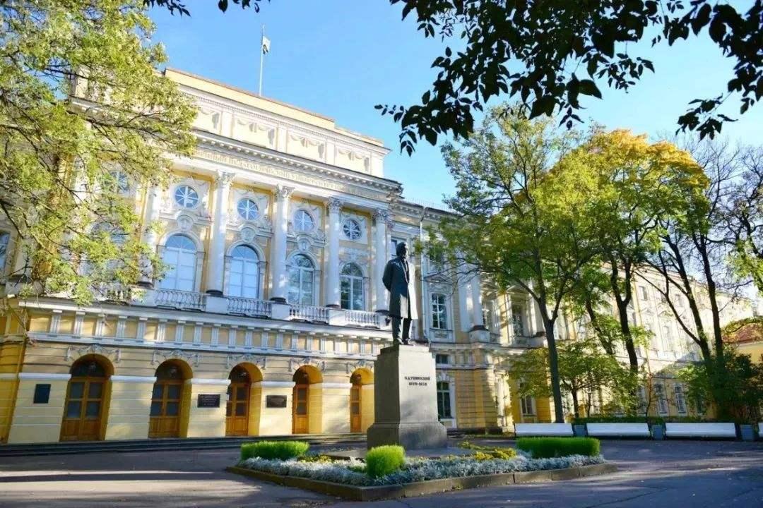 艺术生俄罗斯留学:边游边学