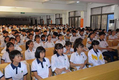 广州市教育局关于2020年中小学暑假时间安排的通知,2020年中小学春季学期于7月21日结束,于7月22日起放暑假,幼儿园参照执行